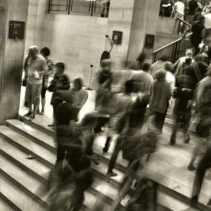 blurry-people-in-subway-station